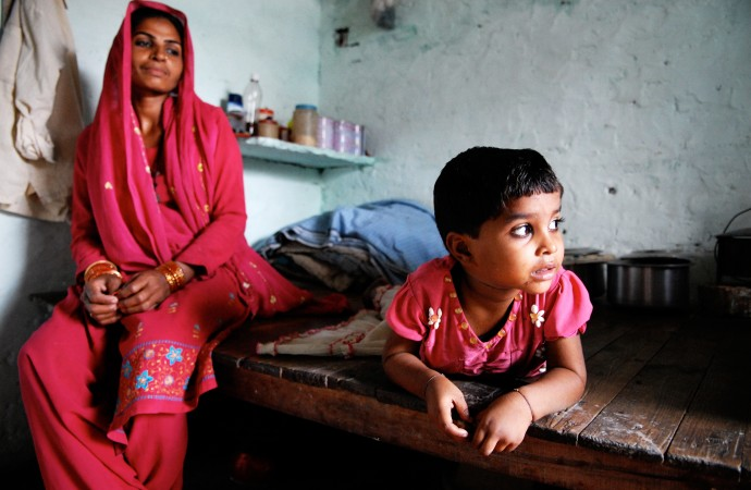 Two million slum children die every year as India booms